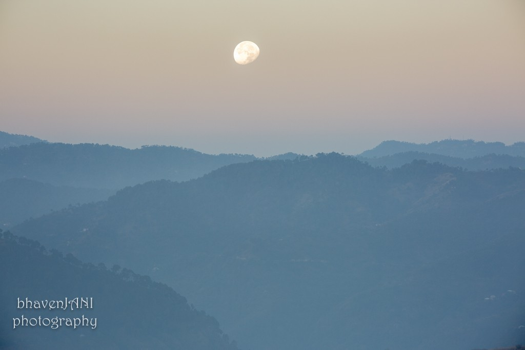 A moon rise is as exciting as a sun set, esp when both overlap