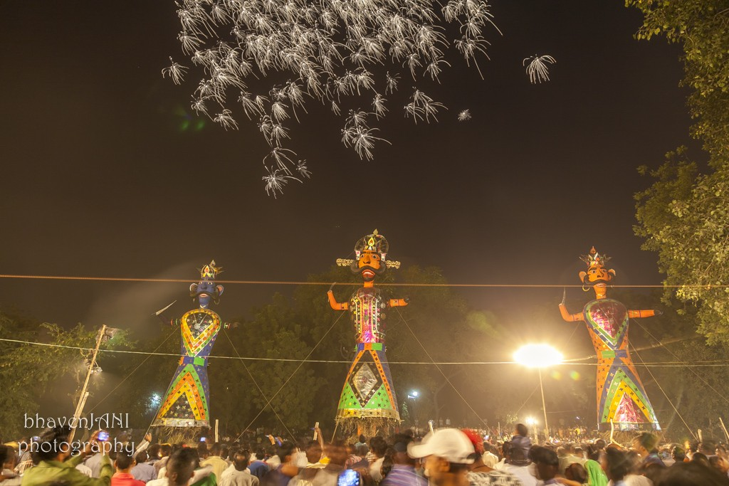 More fireworks on Dussehra evening, as thousands of fans gather to witness the victory of good over evil